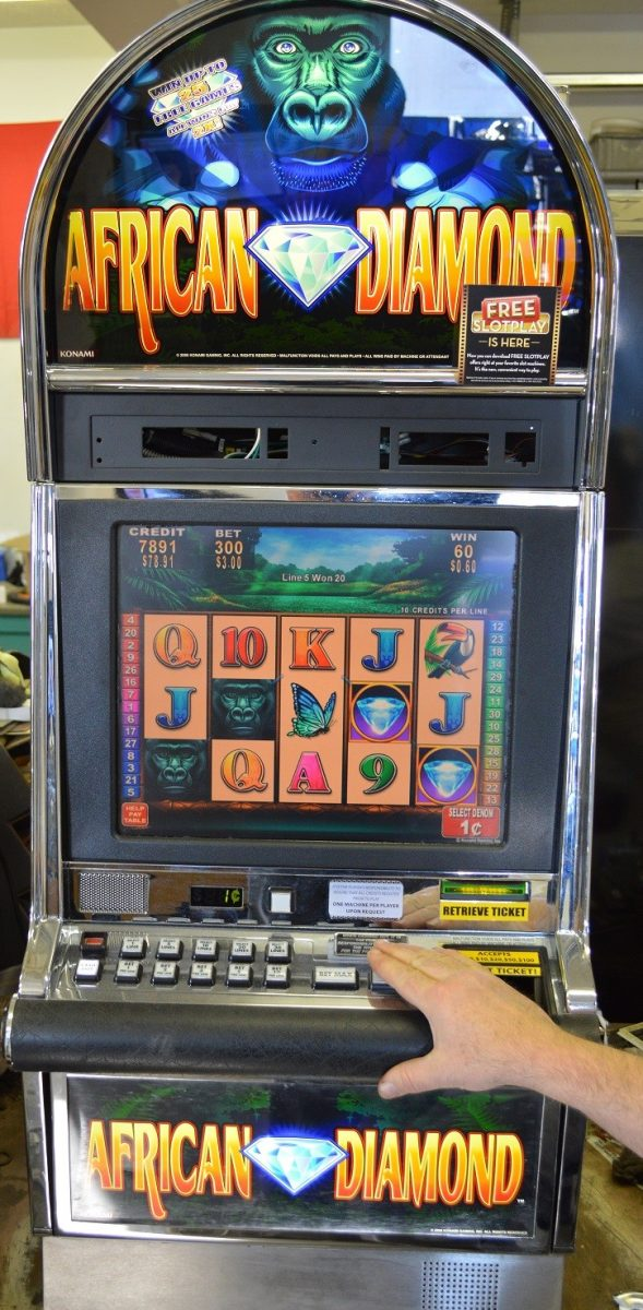 what is the legal age for gambling in michigan