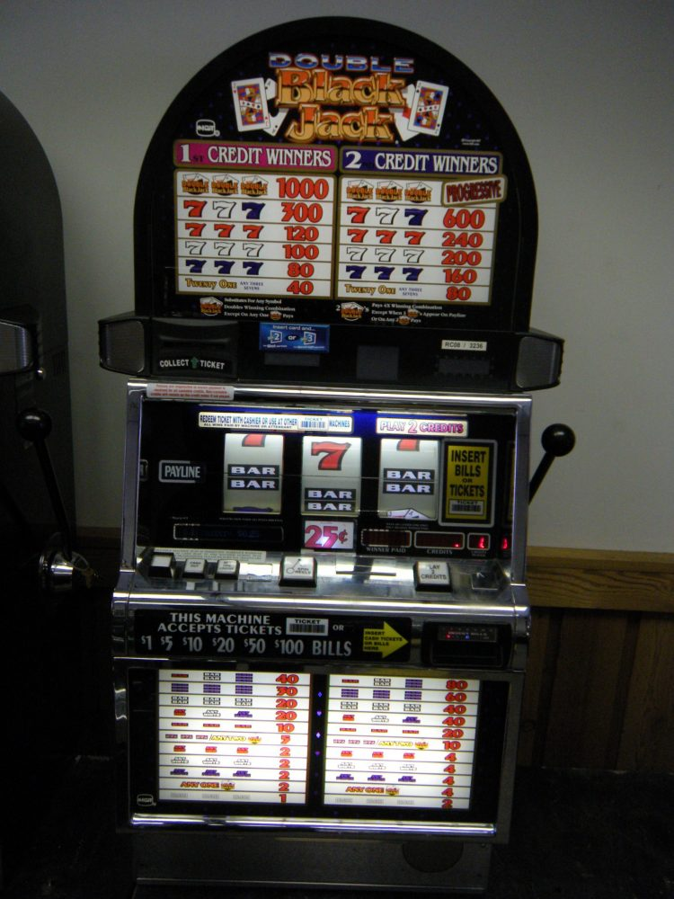 Slot machine nei circoli privati