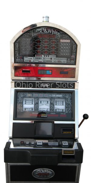 Black and White 5 line slot machine