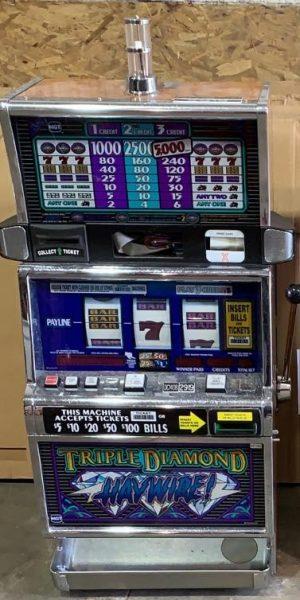 Triple Diamond Haywire slot machine