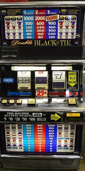 Double Black Tie slot machine