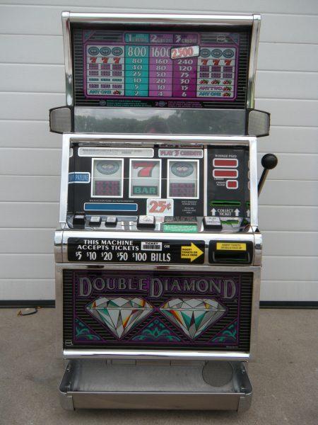 Double Diamond Slot Machine