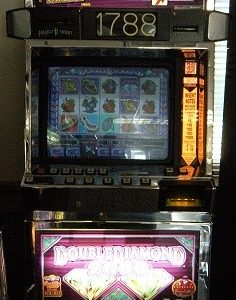 Double Diamond 2000 slot machine