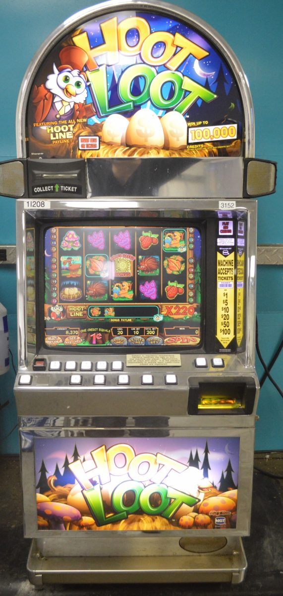 Hoot Loot Slot Machine