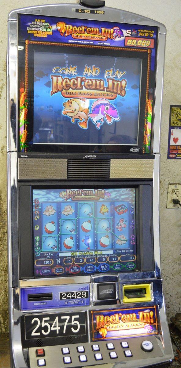 Video blackjack machine