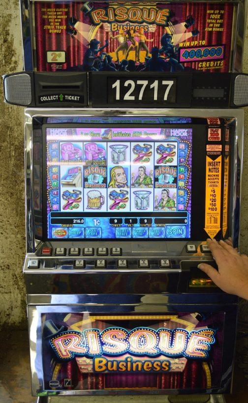 Risqué Business slot machine
