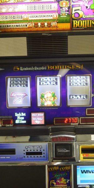 Extra Extra Luck Slot Machine