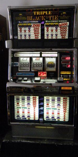 Triple Black Tie slot machine