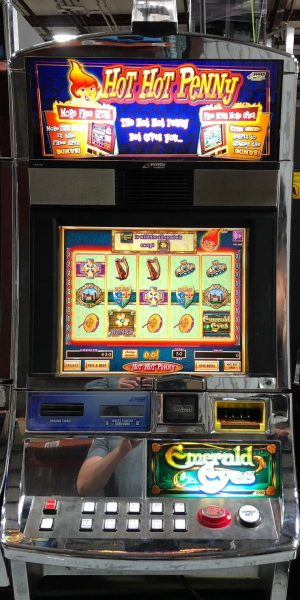 Emerald Eyes slot machine